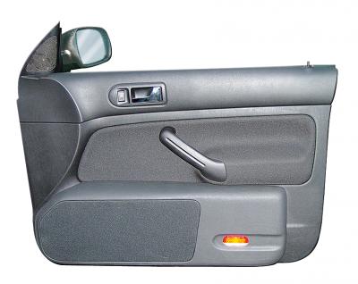 Jehnert VW Golf 4 – nur 4-türig – Doorboards mit 3-Wege Soundsys